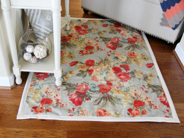 CI_Jess-Abbott_Fabric-Rug-with-border-beauty2_h